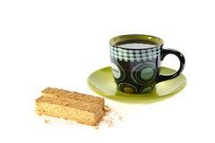 Filiżanka herbaty i gofra tort fotografia stock