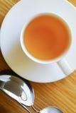 Filiżanka herbaty i słońca szkła obrazy royalty free