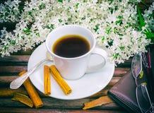Filiżanka kawy, biały bez zdjęcia stock