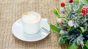 Filiżanka kawy z latte sztuką Wolnego czasu pojęcie Pastelowy kolor Zdjęcie Stock