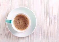 Filiżanka kawy z mlekiem w filiżance Fotografia Royalty Free