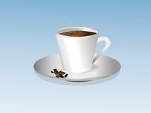 Filiżanka kawy z pianą na spodeczku Obrazy Royalty Free