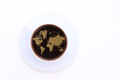 Filiżanka Kawy z pianą przekształcać w światową mapę Zdjęcia Stock