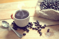 Filiżanki kawy kawy następny worek Fotografia Royalty Free