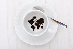 filiżanki mapy świat zdjęcia stock