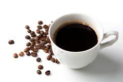 Filiżanka czarna kawa z piec coffe fasolami 2 Obraz Stock
