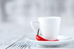 Filiżanka czarna kawa z pieprzem, Tabasco kawa Zdjęcie Stock