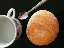Filiżanka i croissant Zdjęcia Stock