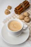 Filiżanka kawa espresso z trzcina cukierem i cinamon Obrazy Royalty Free
