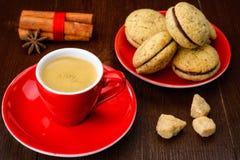 Filiżanka kawy i ciastka Zdjęcia Royalty Free