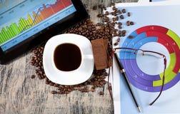 Filiżanka kawy i czekolada Zdjęcie Royalty Free