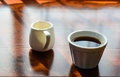 Filiżanka kawy i garnek huney Obrazy Royalty Free