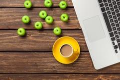 Filiżanka kawy i laptop Obraz Stock