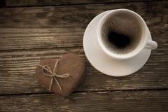 Filiżanka kawy z biskwitowymi ciastkami Obraz Royalty Free