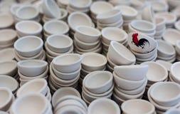 Filiżanki ceramics obraz jest kurczak Obraz Royalty Free