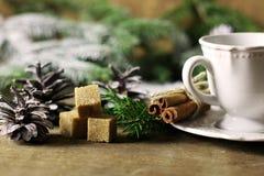 Filiżanki cynamonowa cukrowa sosnowa choinka Zdjęcia Stock