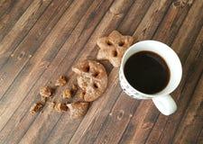 Filiżanki kawy ciastko drewniany Obrazy Royalty Free