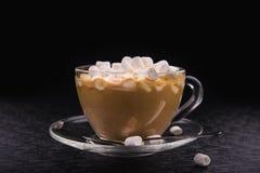 Filiżanka kawy z Marshmallow Zdjęcie Stock