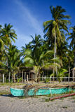 Filipińczyk pompowa łódź na brzeg fotografia royalty free