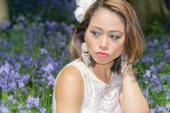 Filipińczyka model w błękitnym dzwonkowym drewnie Zdjęcia Royalty Free