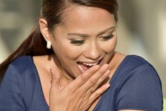 Filipina Female Laughing bonito fotos de stock royalty free