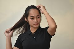 Filipina Girl With Long Hair lizenzfreies stockfoto