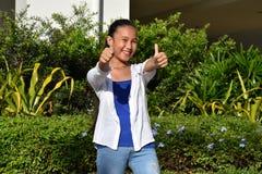 Filipina Teen Girl With Thumbs jeune  photo stock