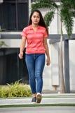 Filipina Teenage Female Walking bonito hermoso fotos de archivo libres de regalías