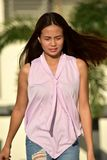 Filipina Woman Walking royalty-vrije stock foto