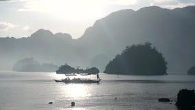 Filipiny Łódź Rybacka przy wschodem słońca