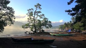 Filipiny Łódź Rybacka przy wschodem słońca zbiory wideo