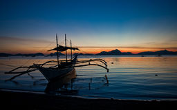 Filippijnse boot op zonsondergang Royalty-vrije Stock Afbeeldingen