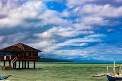 Filippine, isola di Negros - 5 febbraio 2018: Banco di sabbia di bianco di Manjuyod fotografia stock