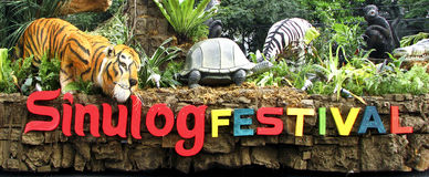 Filippinerna för Cebu Sinulog festivalflöte royaltyfri bild