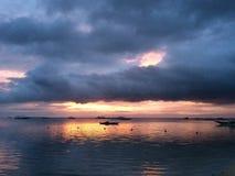 Filippinsk solnedgång på den Panglao ön Fotografering för Bildbyråer