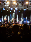 Fille à un concert Images libres de droits
