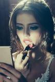 Fille élégante sexy avec le rouge à lèvres rouge Image stock