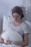 Fille affligeante avec la tumeur Photos stock