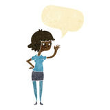 fille amicale de bande dessinée ondulant avec la bulle de la parole Photos libres de droits