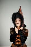 Fille 8-9 ans dans le costume pour Halloween Photos stock