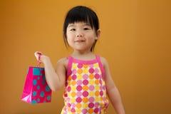 Fille asiatique d'enfant de chéri Image libre de droits