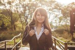 Fille asiatique dans la veste en cuir Photo libre de droits