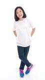 Fille asiatique mignonne dans le T-shirt blanc image libre de droits