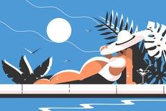 Fille attirante dans le bikini et le chapeau blancs Images libres de droits