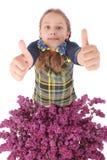 Fille attirante se tenant prêt le lilas Images libres de droits
