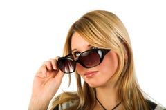 Fille avec des lunettes de soleil Image libre de droits