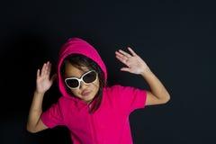 Fille avec des lunettes de soleil Images libres de droits