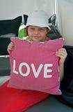 Fille avec l'oreiller d'amour Photo libre de droits