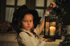 Fille avec la lanterne Photo stock