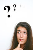 Fille avec la question Photo stock